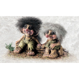 840175 Troll boy and girl