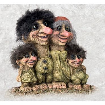 840268 Troll family