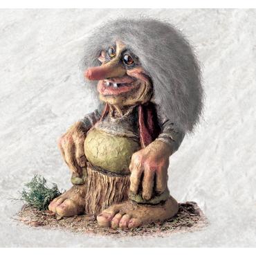 840109 Troll on a tree stump