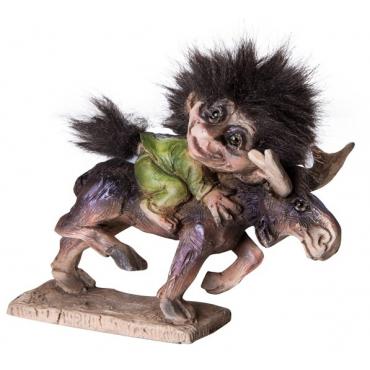 840045 Troll riding Elk