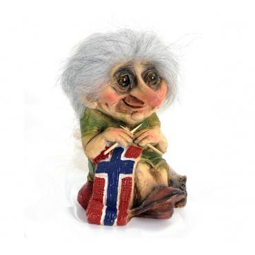 840149 Grandma troll knitting
