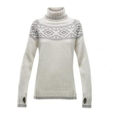 ONA Woman Round Sweater