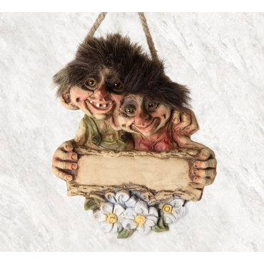 840201 Troll couple welcome sign with name plate