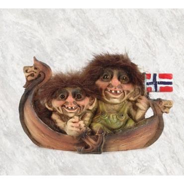 840068 Trolls on a viking boat
